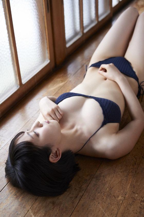 riho_yoshioka2.jpg